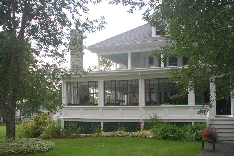 3Edgewater+Cabins+main+house+Sullivan